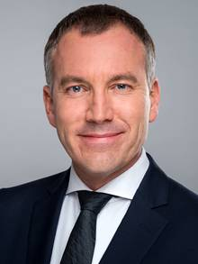 Dr. Eberhard Richter (In‑house lawyer) - Chief Executive Officer
